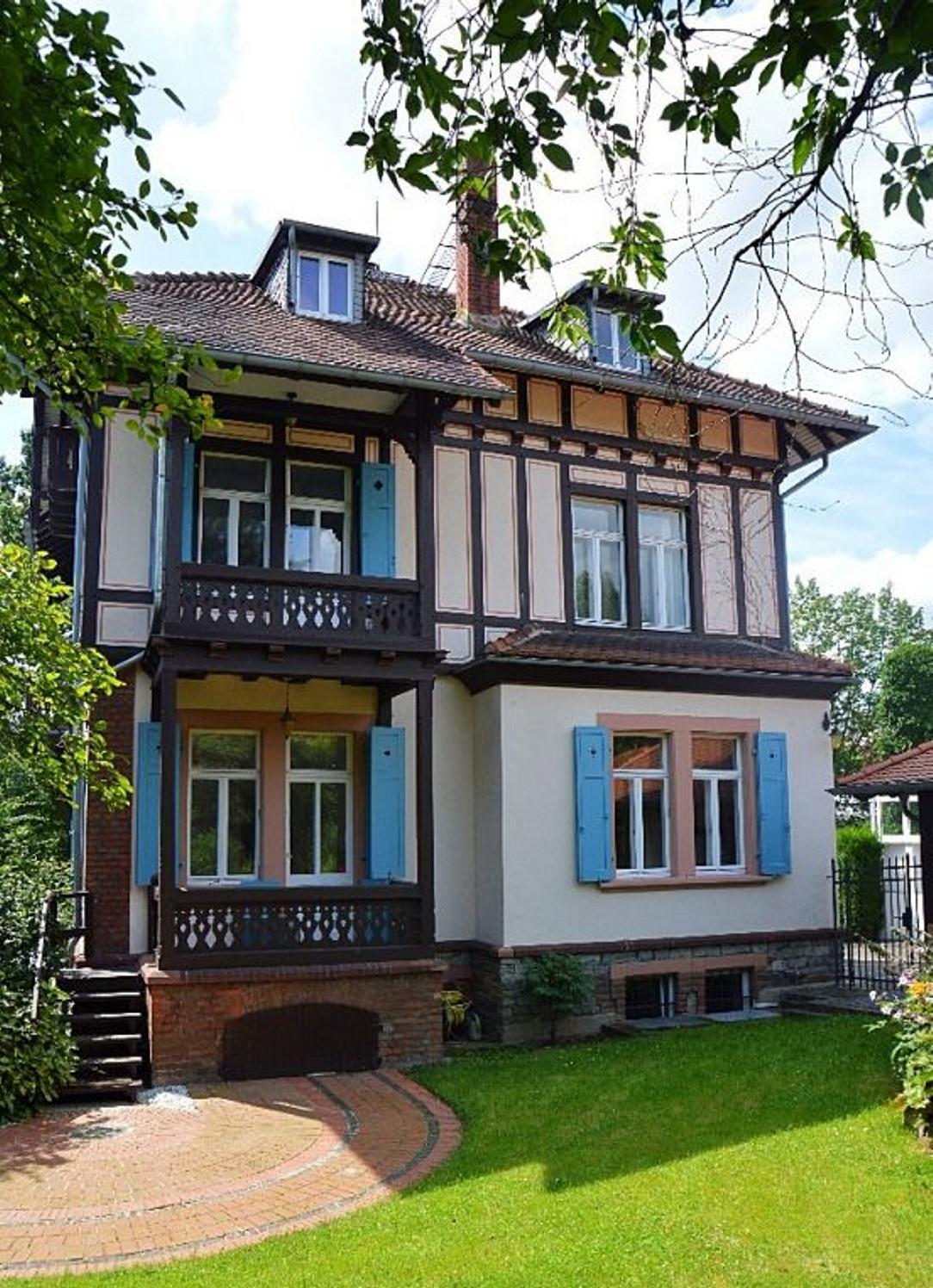 Beste Lage von Bad Homburg Elegante Villa am Kurpark mit