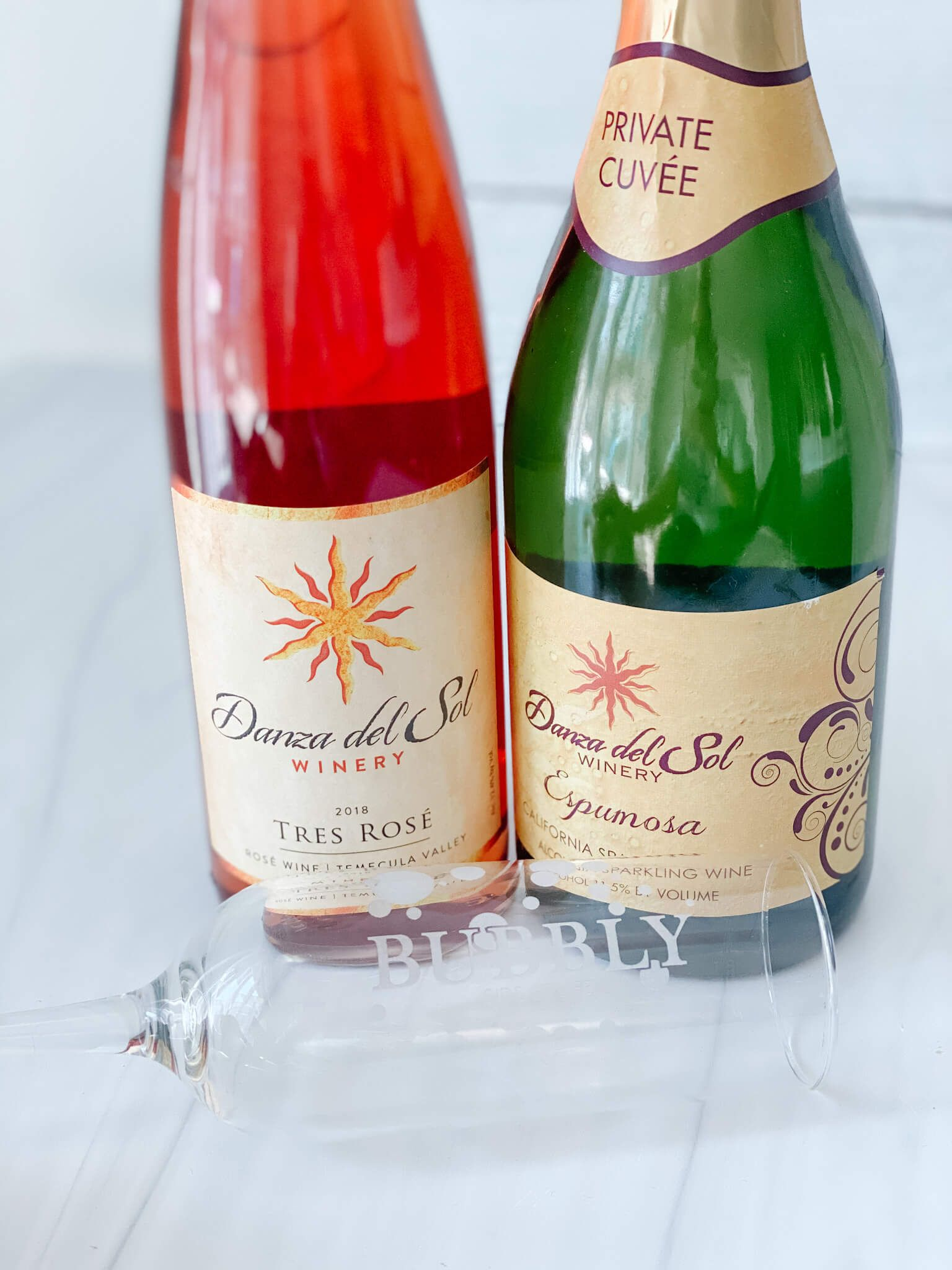 The Best Sparkling Rose Round Up 13 Of Our Current Favorites Bubbly Side Of Life In 2020 Sparkling Wine Cocktails Sparkling Wine Cocktail Recipes Sparkling Wine
