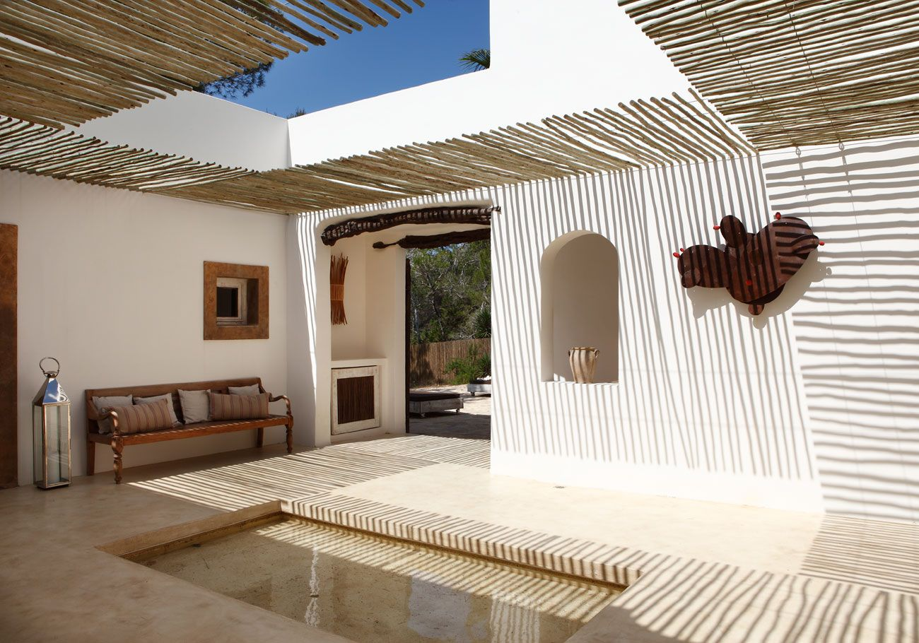 Great White Wash Walls Outside Kitchen, Include Bench And Display Nooks Summer  House On Formentera