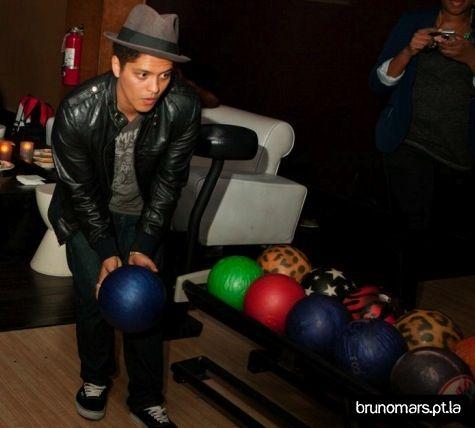Bowling Bruno Mars Bruno Mars