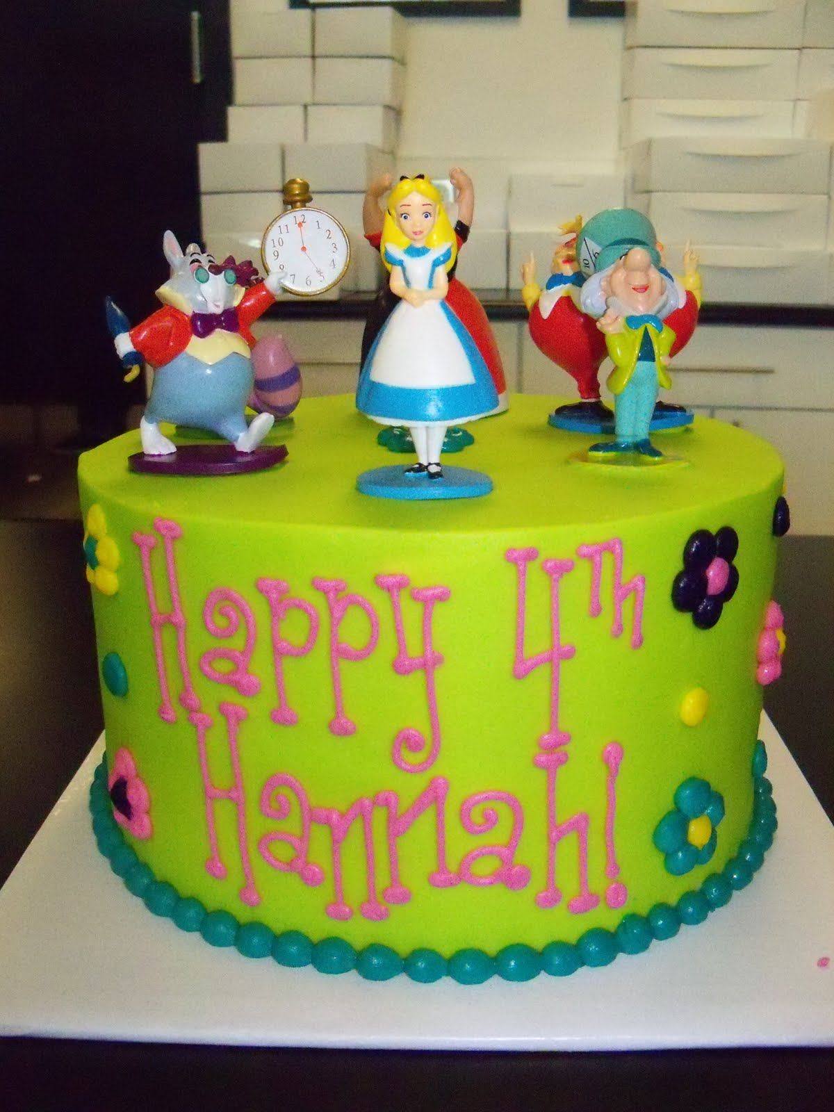 Easy Alice In Wonderland Cakes Easy Alice In Wonderland Cake