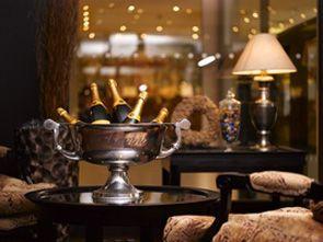 Saaret & Royal Ravintolat pyörittävät parhaat hotellit, design by #puroplan, applikaatiot by #iwa #labs