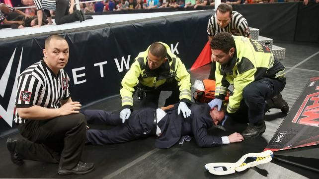 Brock Lesnar vs. Seth Rollins - WWE World Heavyweight Championship Match: photos | WWE.com
