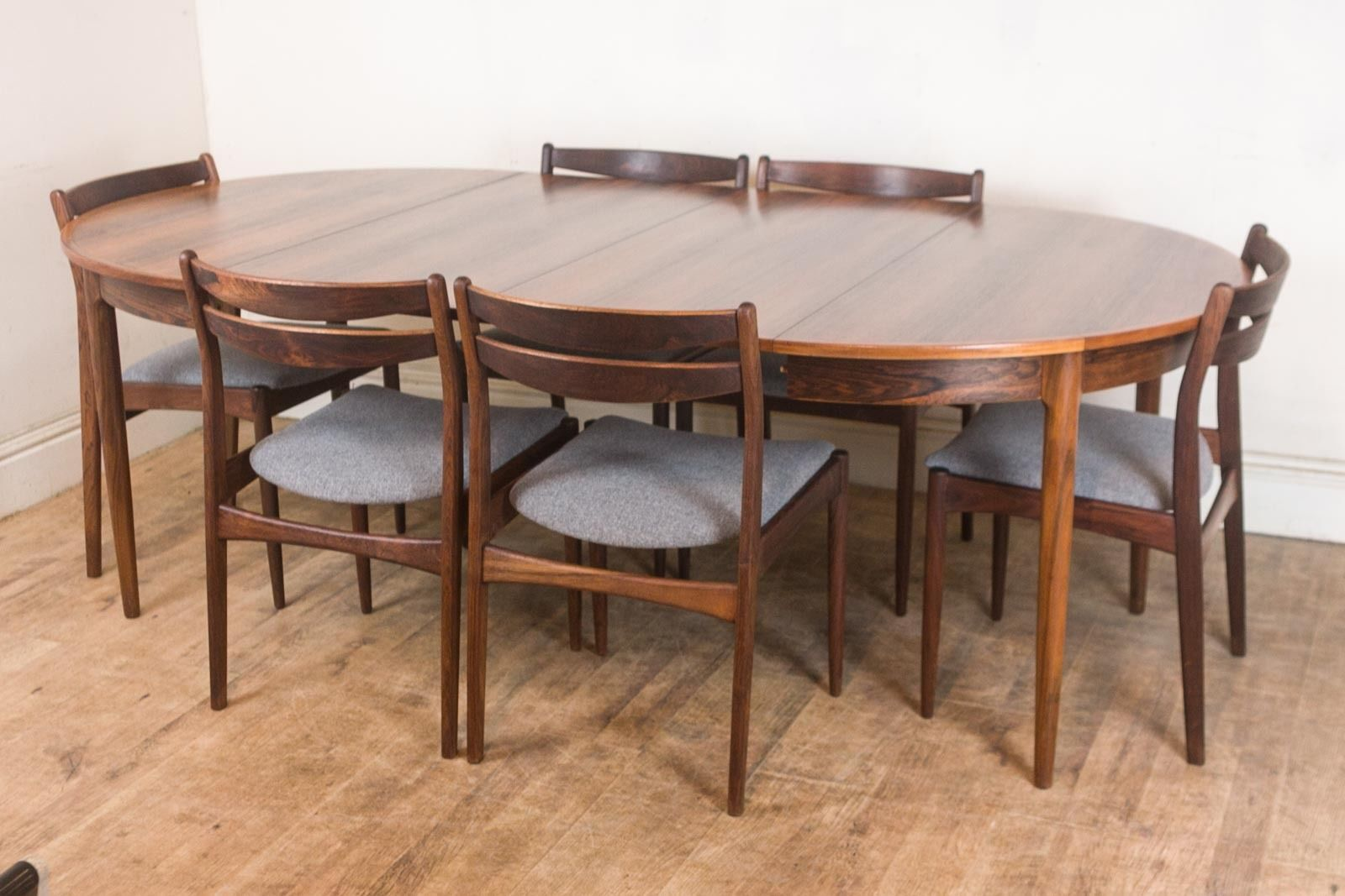 Vintage Retro Danish Rosewood Dining Table And 6 Chairs