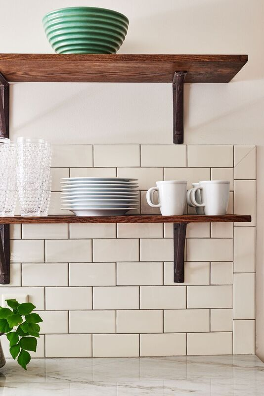 5th Avenue 3x6 Subway Tile In Ivory Glossy This Series Offers A New Twist On An Old Fashioned Product For Clic Look