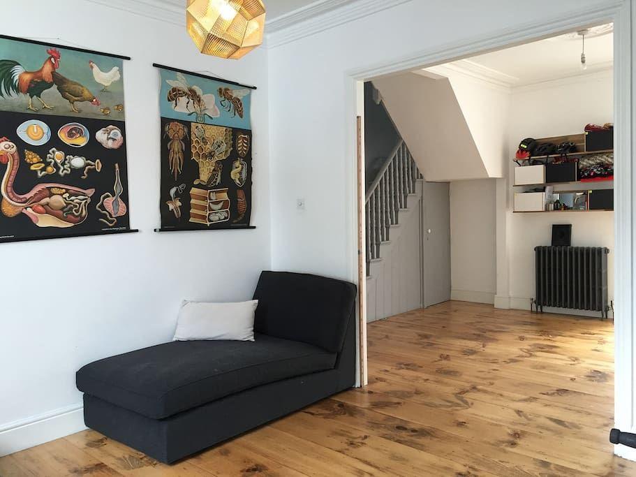 Bright Family Home Hip Homerton Hackney Houses For Rent In London Rent In London Renting A House Home
