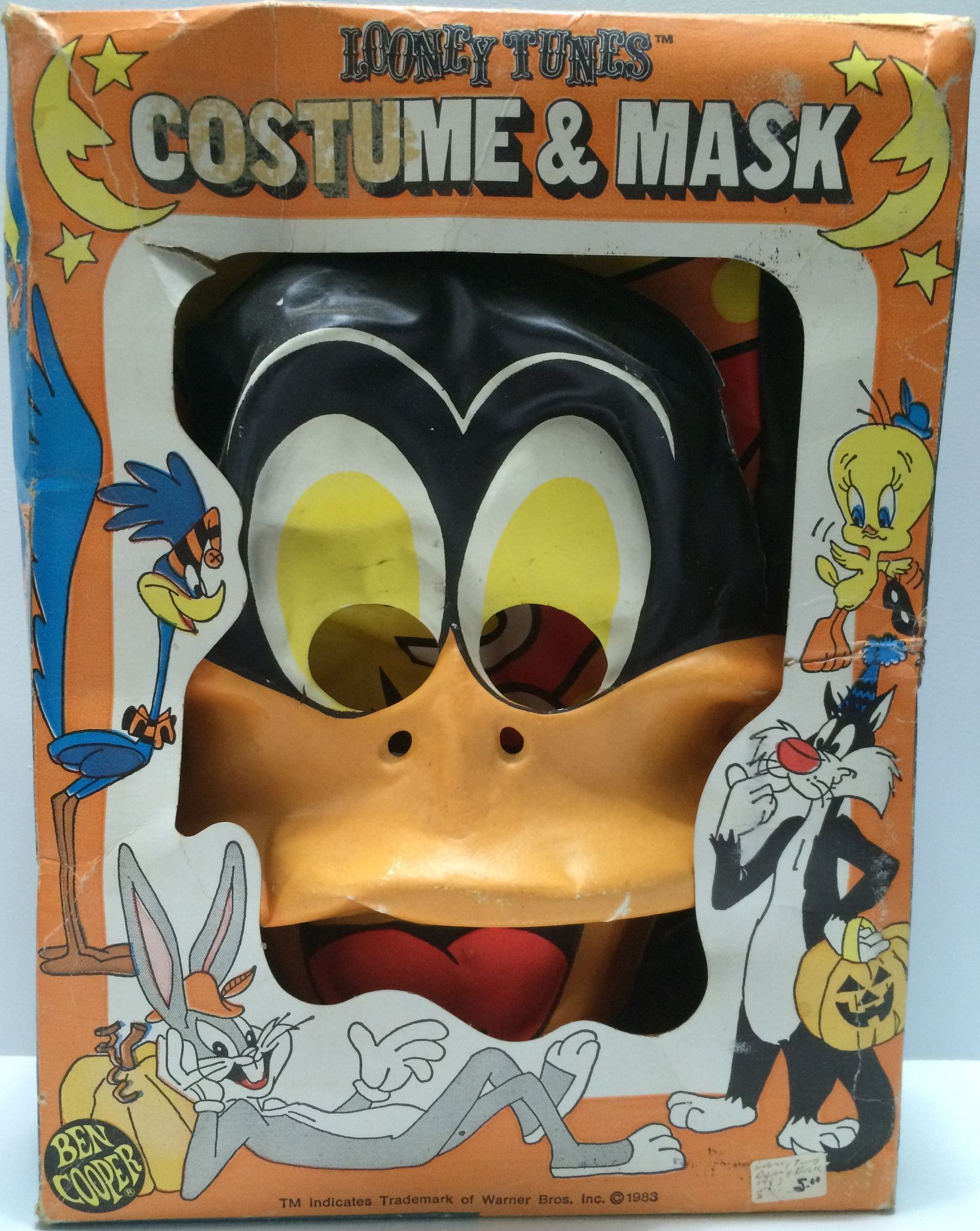 1983 Looney Tunes Costume & Mask - Daffy Duck This item is NOT in Mint Condition and is in no way being described as Mint or even Near Mint. Our toys have not always lead the perfect life, nor have th