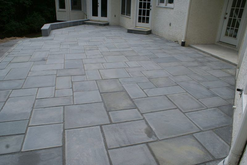 Genial A Large Formal Patio With Cut Stone In A Random Pattern. Pre Cut Stone  Allows For Tighter Spacing Without The Effort Of Having To Cut The Stones.