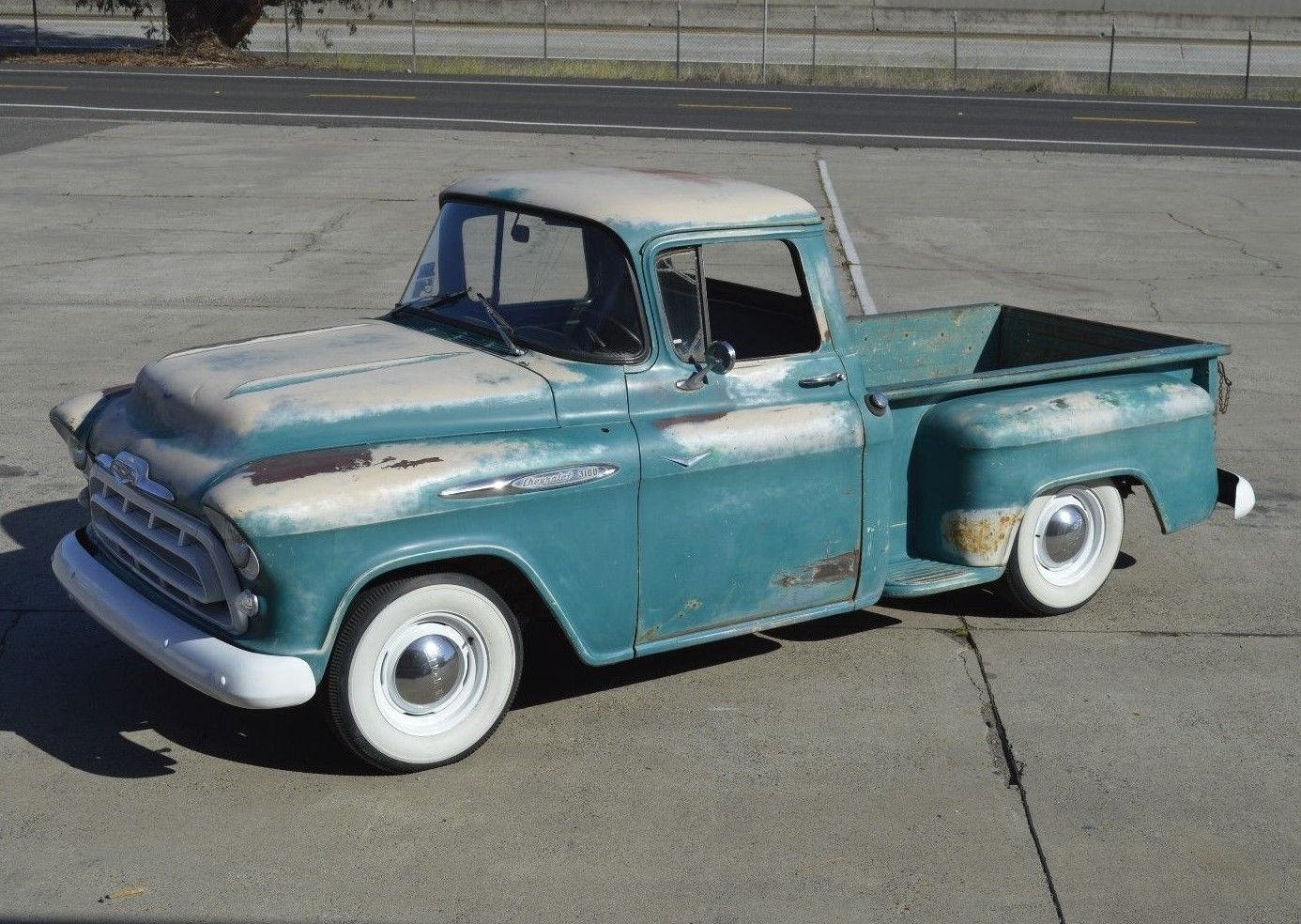 4 Speed 1957 Chevrolet 3100 Pickup Custom With Images Pickup