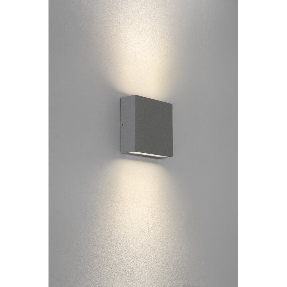 Astro lighting elis led outdoor wall fitting in silver finish with