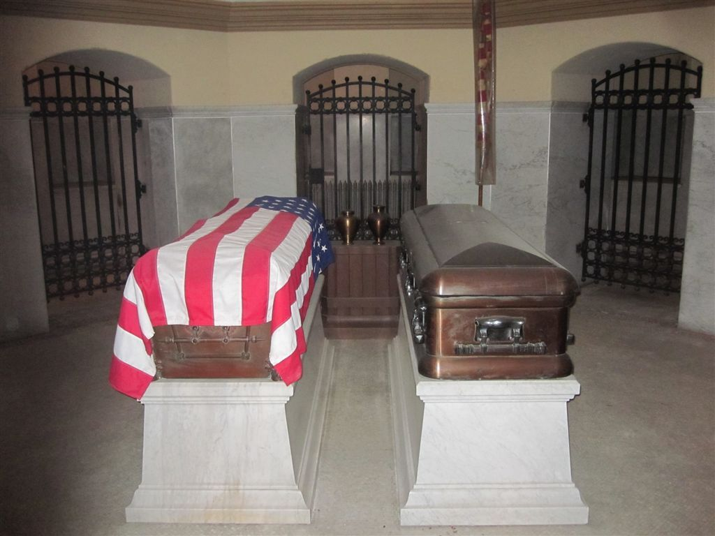 President James A Garfield S Tomb 20th U S President Born November 19 1831 Died September 19 1881 Cause Famous Tombstones Famous Graves Garfield