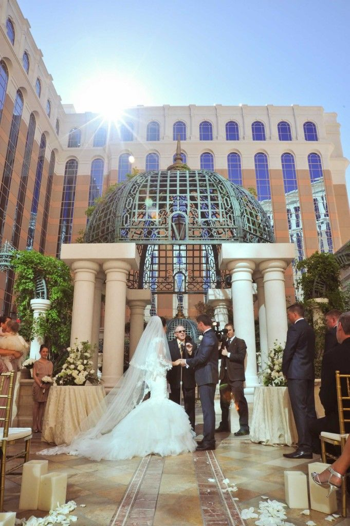 Book Your Courtyard Romance Or Umbria Ceremony At The Venetian Palazzo Today On Exclusive Venenzia Vegas Weddings
