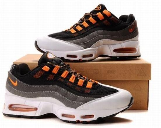 03fe676602c6 609048 039 Nike Air Max 95 Black Orange D060491