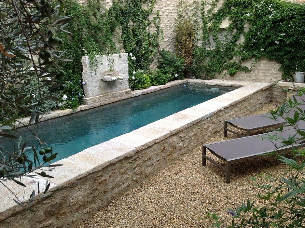 bassin chaises longue sur gravillon plantes piscine proven ale en 2019 piscinas. Black Bedroom Furniture Sets. Home Design Ideas