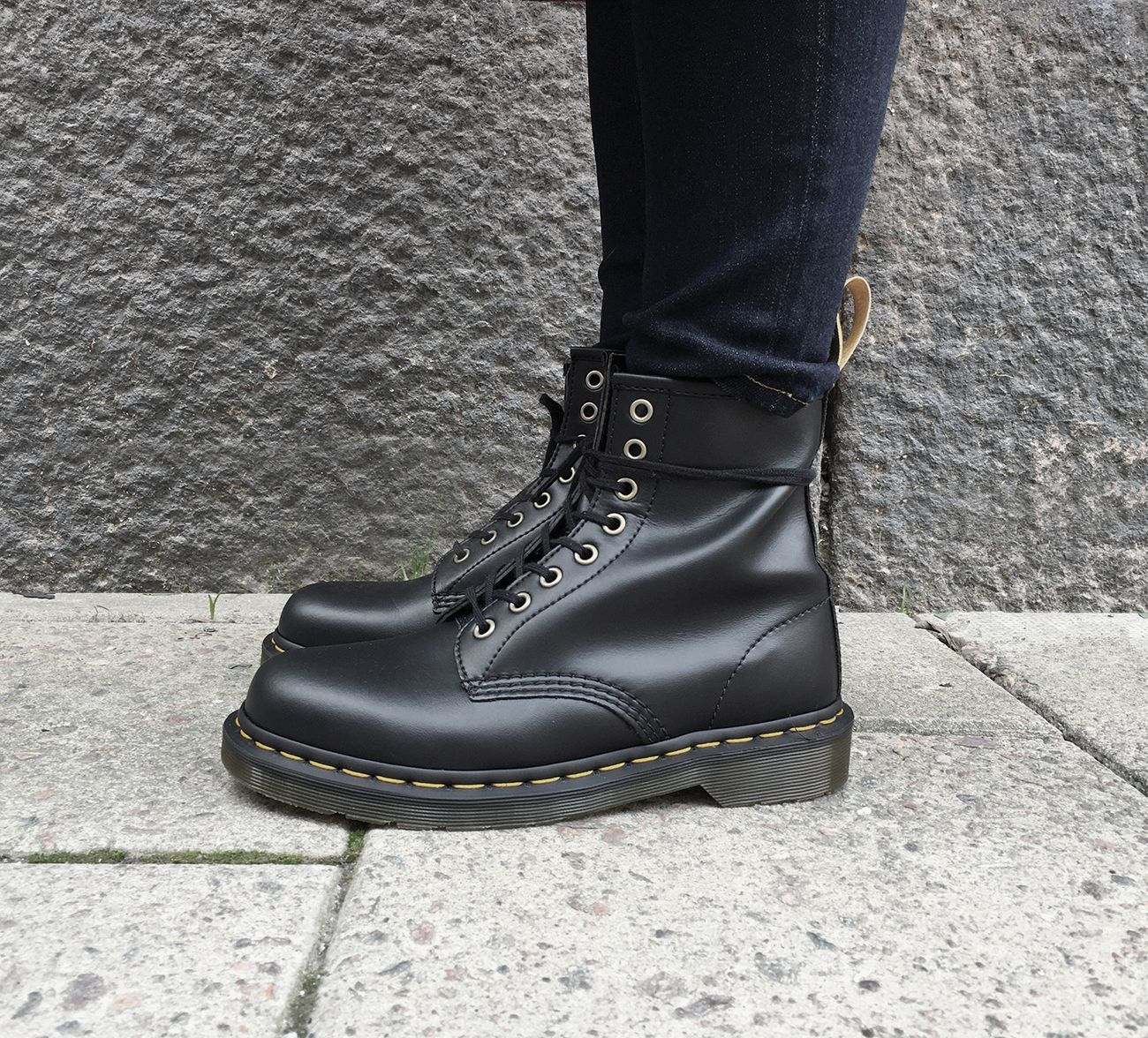 1460 8 eye boot from Dr Martens made with black vegan