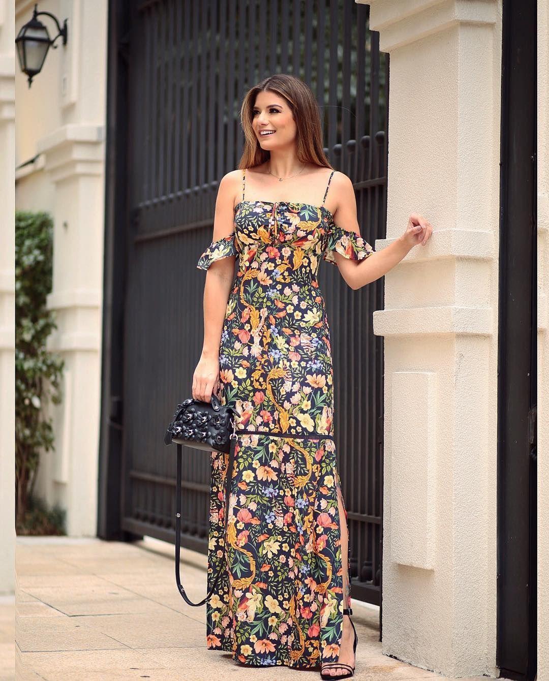 Verão  fatobasico Vestido longo com ombros de fora e estampa mais linda b55ef4006973
