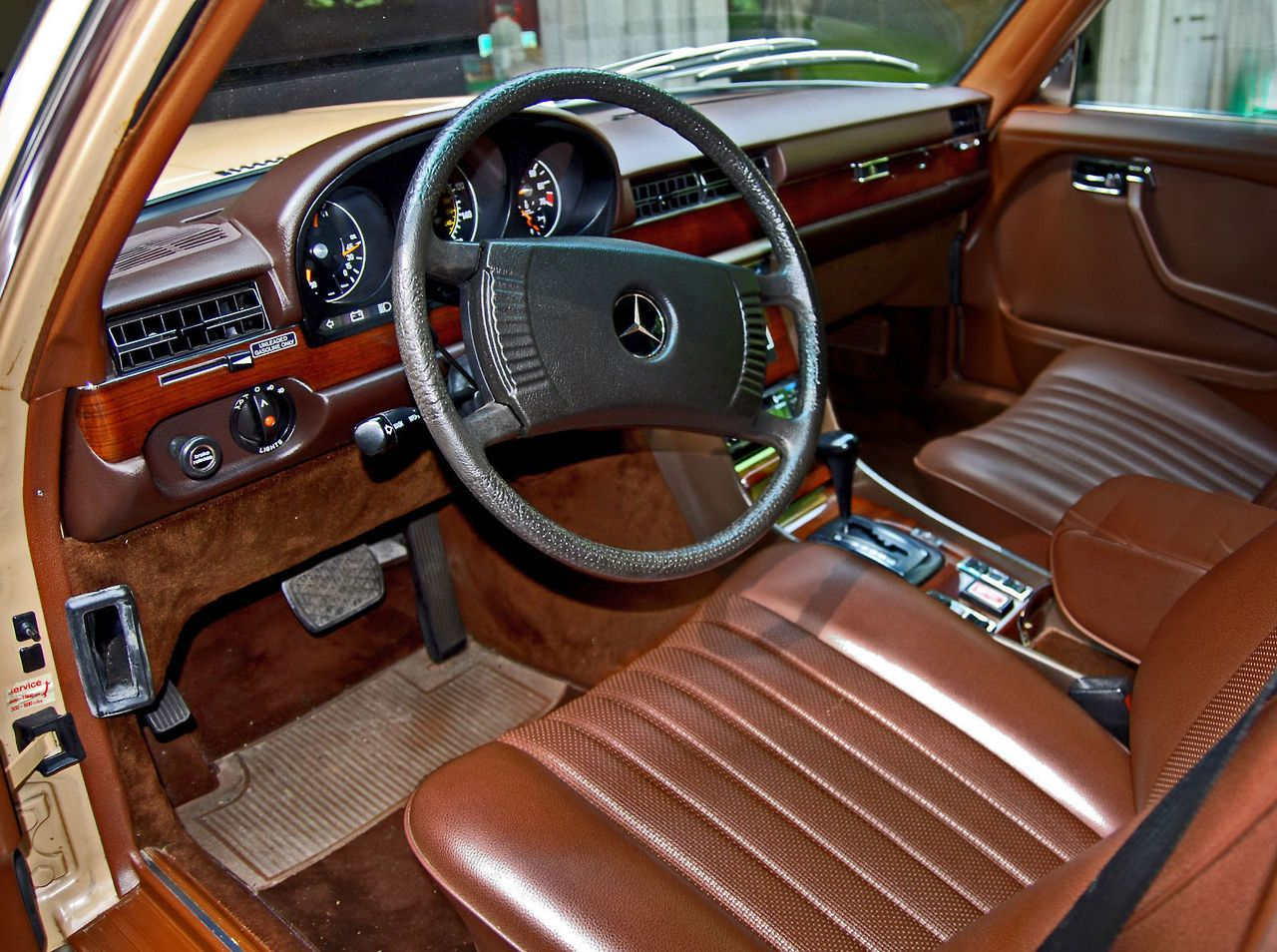Mercedes W116 In Great Color Combo Especially The Rich Bamboo