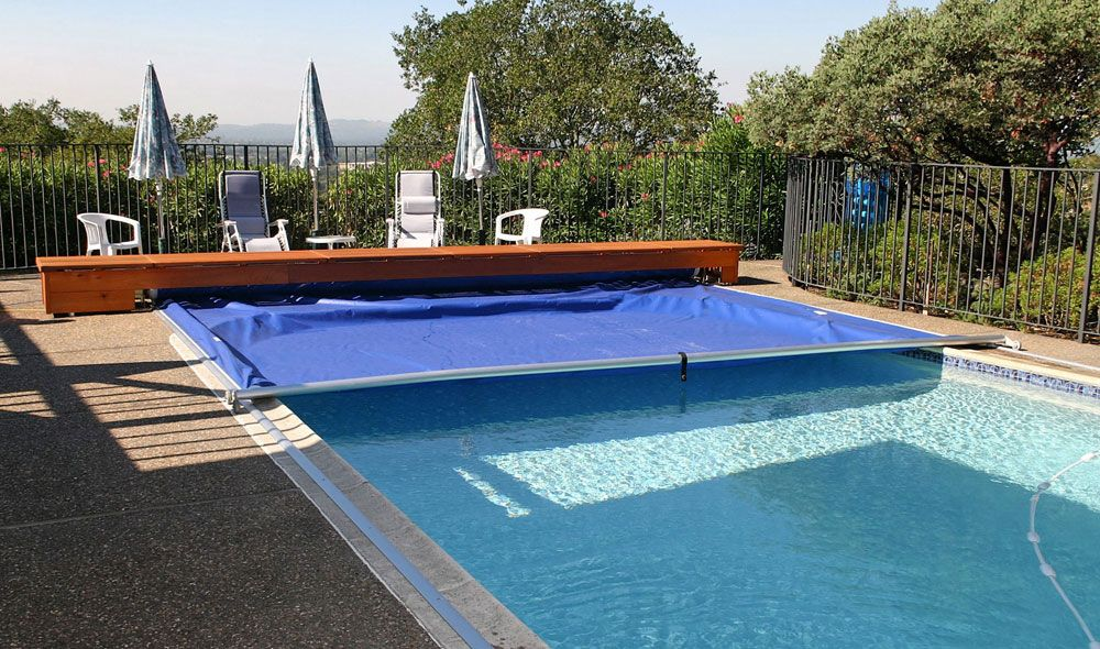 Automatic Pool Cover With Bench Housing Pool Cover Pool Automatic Pool Cover