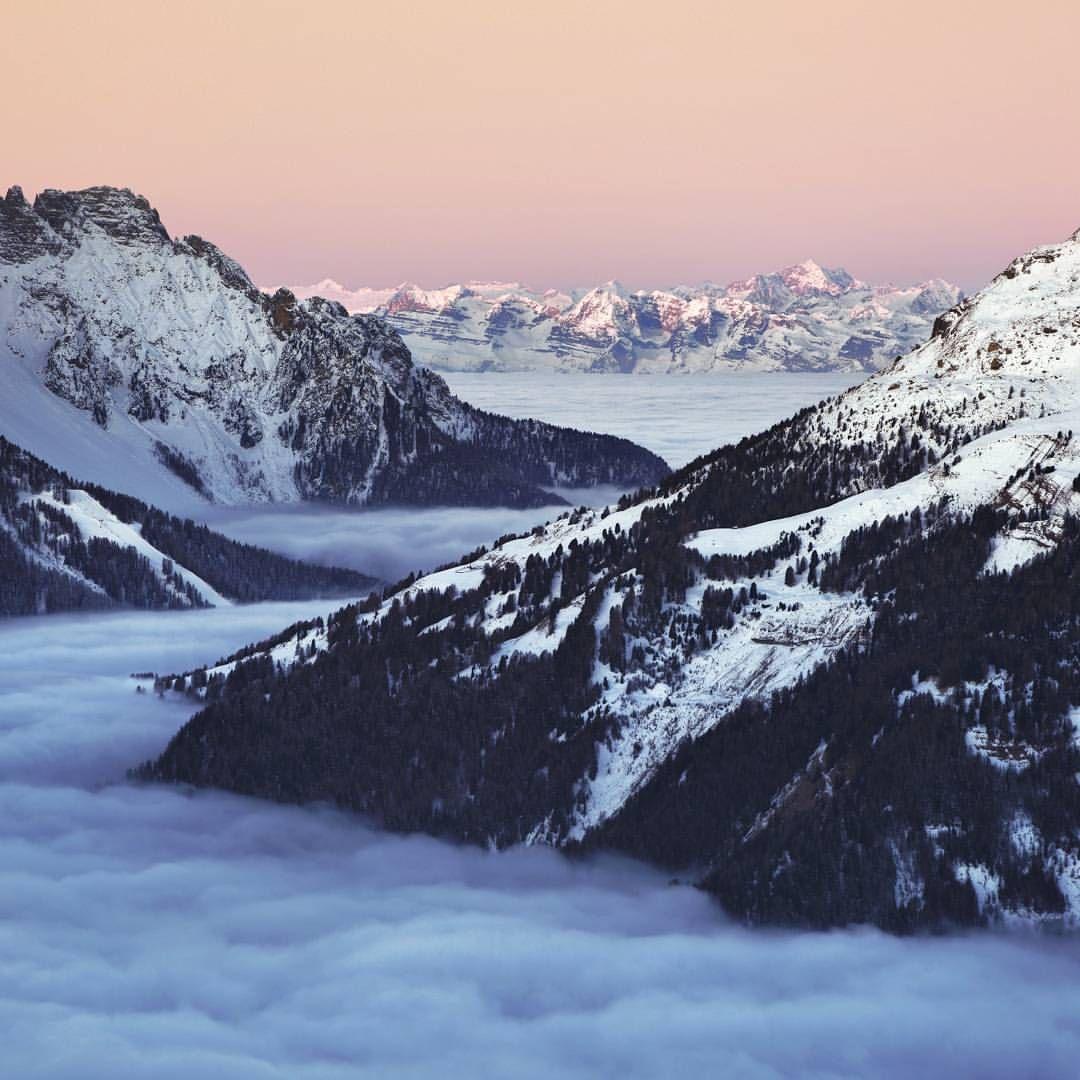 "3,475 Synes godt om, 83 kommentarer – Kilian Schönberger (@kilianschoenberger) på Instagram: ""Trentino Dawn  Fog in Val di Fassa  Dolomites Italy #trentinowow #trentinolovers #Dolomites…"""