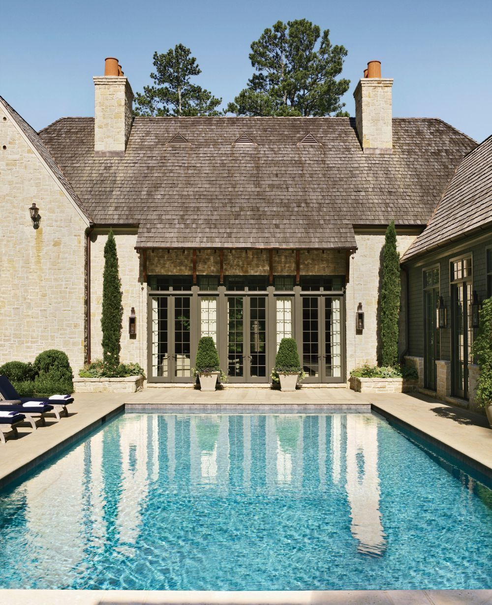 Traditional Pool By Suzanne Kasler Interiors And William T Baker Associates Ltd In Atlanta Georgia Atlanta Homes House Exterior Architecture