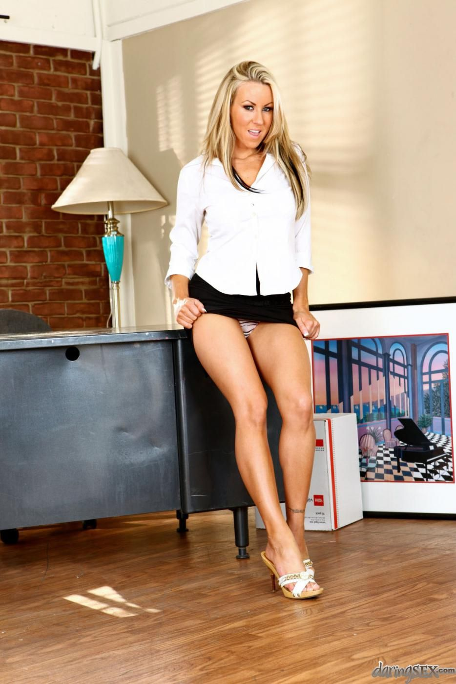 legs Carolyn reese
