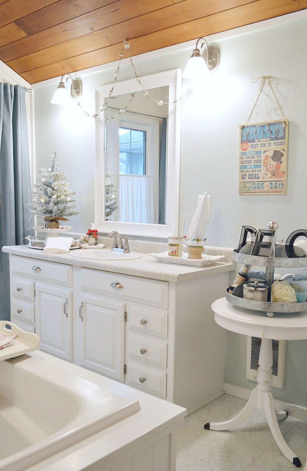 Coastal Cottage Christmas Bath   Christmas Ideas   Pinterest ...