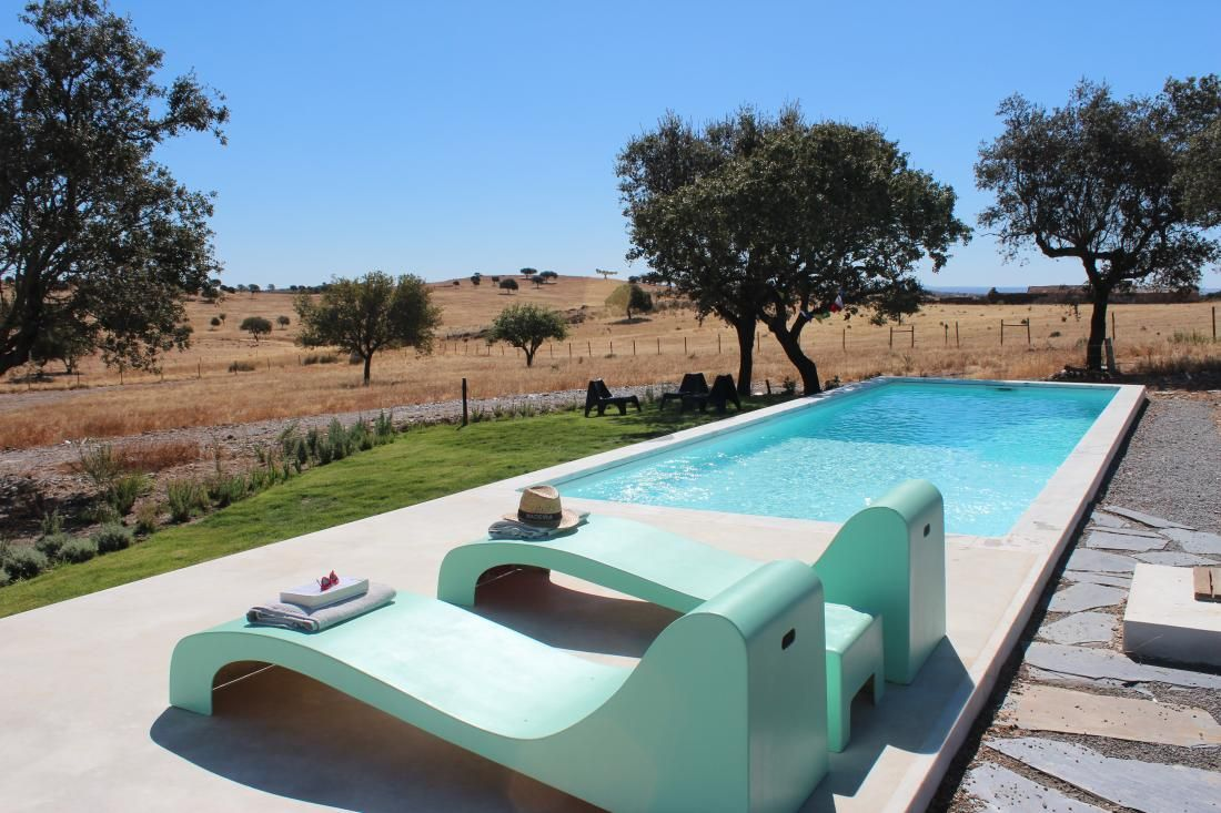 Site to rent villas that are used for photo shoots. Portugal, villa rental