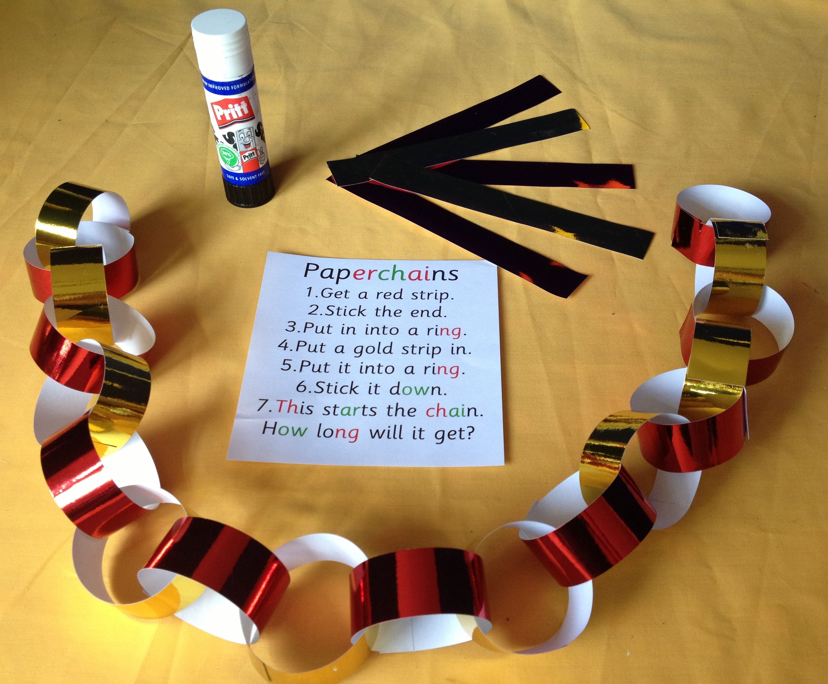 paper chains a classic activity with a twist finger gym christmas math preschool. Black Bedroom Furniture Sets. Home Design Ideas
