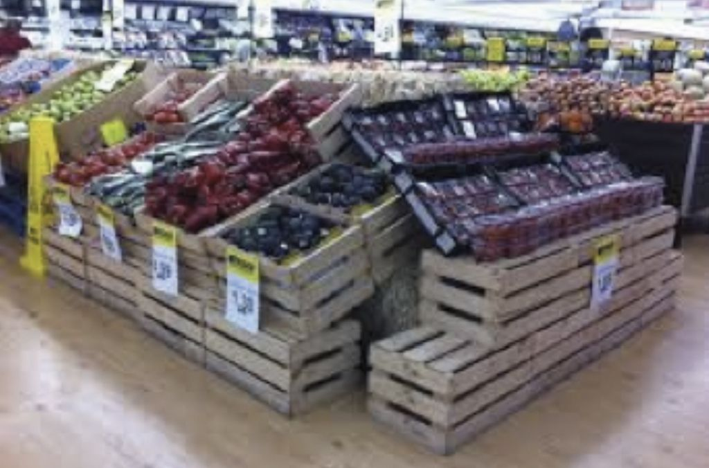 A great supermarket fruit & veg display using our rustic wooden ...