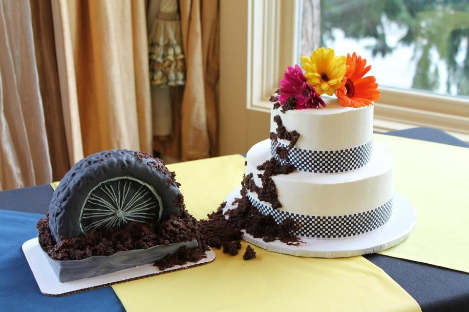 motocross themed wedding cake a storybook motocross wedding story featured on moxie mx 17590