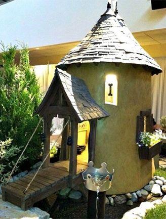 Castle Doghouse #doghouse #pets