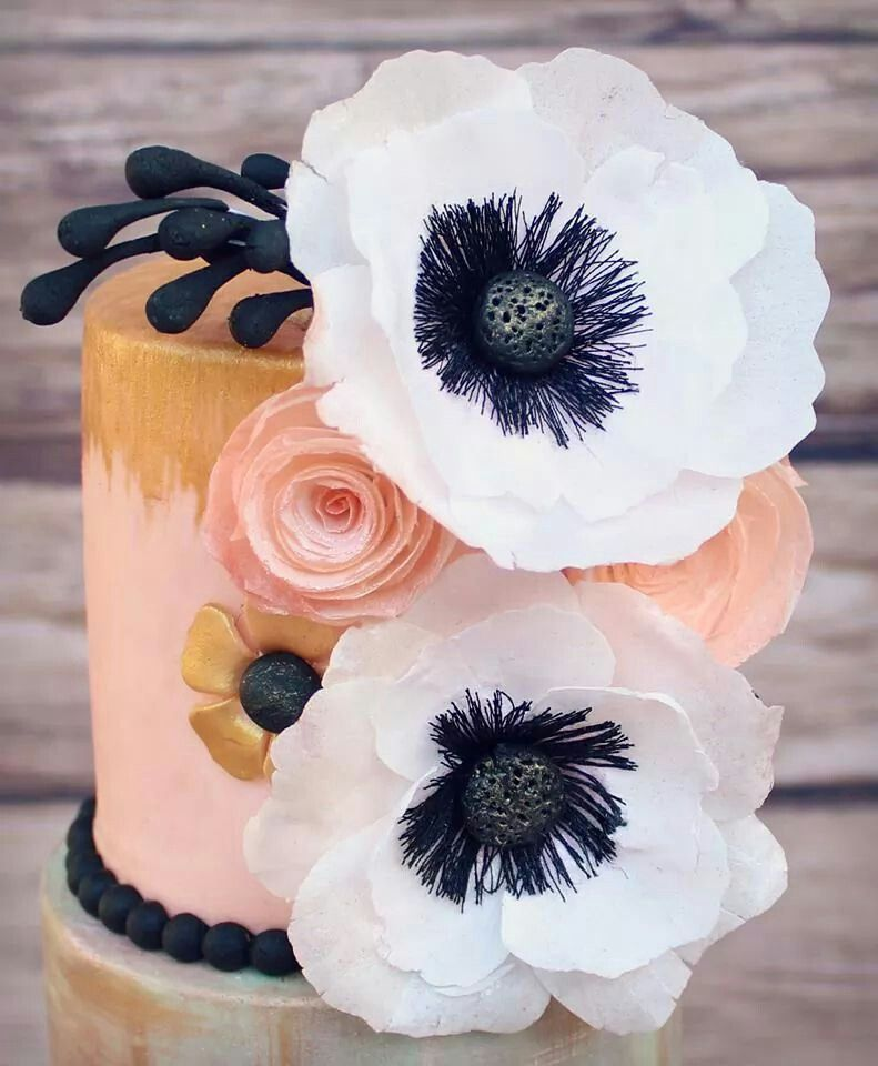 Wafer paper flowers | Waferpaper cake Decorations! | Pinterest ...