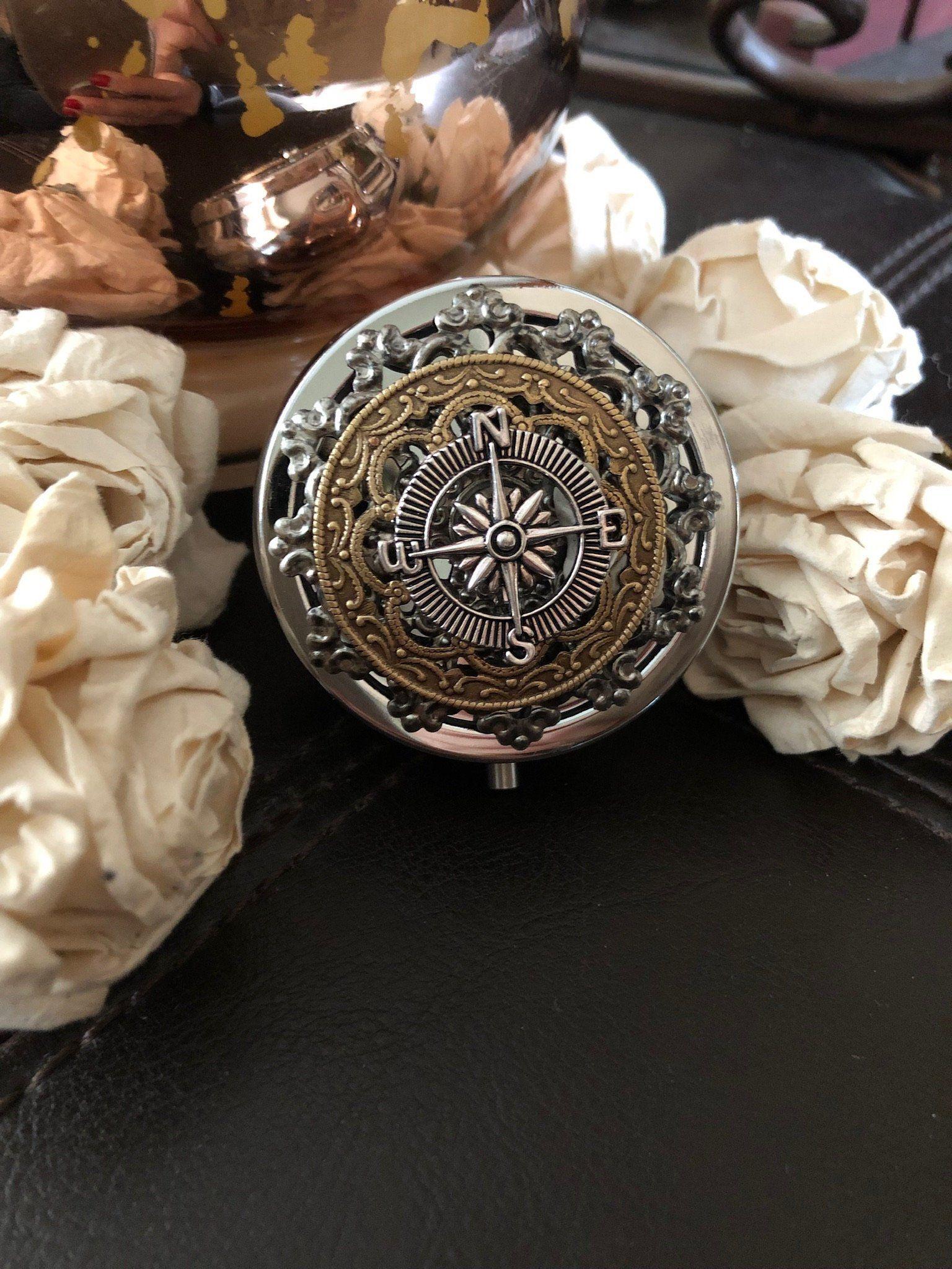 Engagement ring box, wedding ring box, ring holder