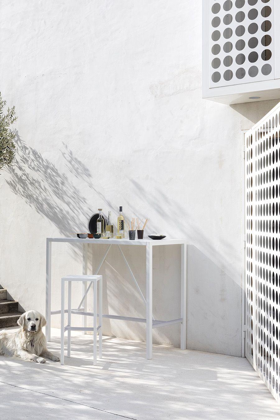 Tavolo Per Terrazzo Allungabile.Arredi Outdoor Perfetti Per Interni Minimal Arredamento Tavolo