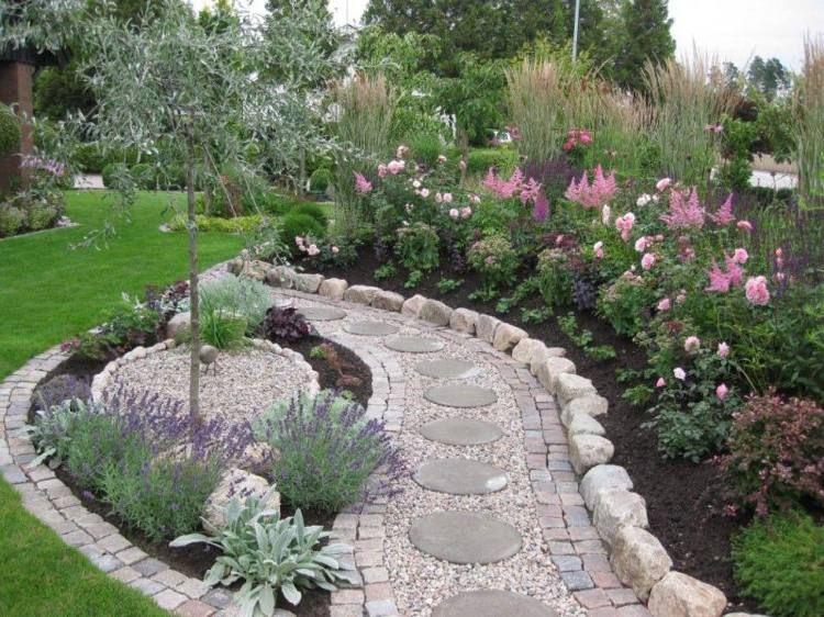 Créer une allée originale \u2013 16 idées pour sublimer le jardin - Allee De Jardin En Pave