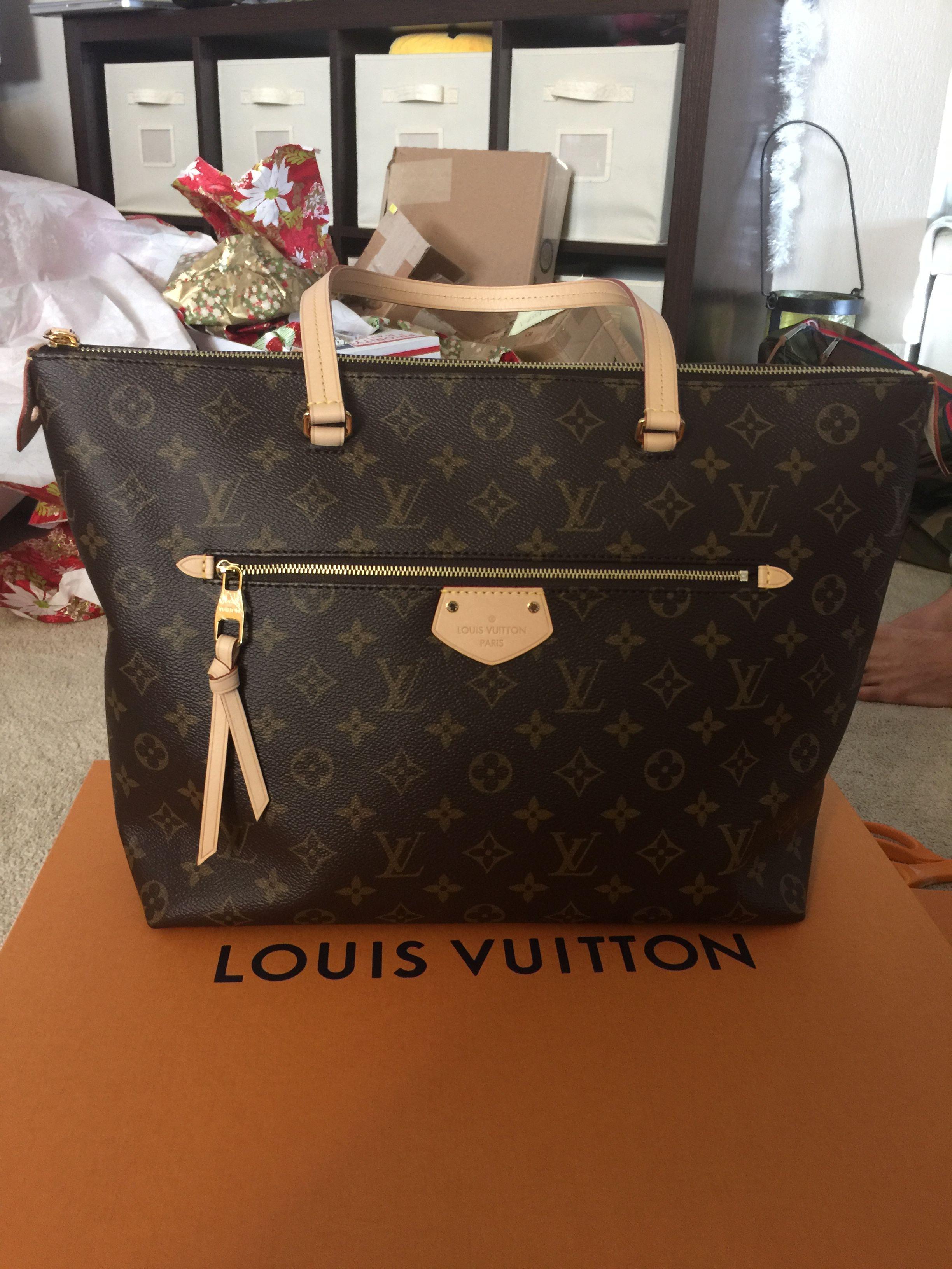 c005604b9a7 Louis Vuitton Iena MM Monogram