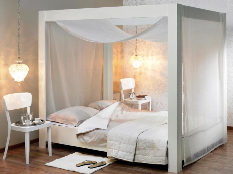 Slaapkamer hemelbed digtotaal - Romantische witte bed ...