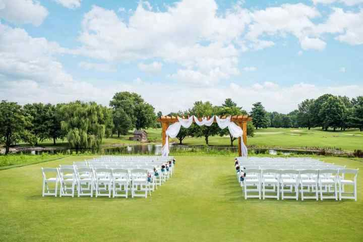10 stunning outdoor wedding venues in louisville and