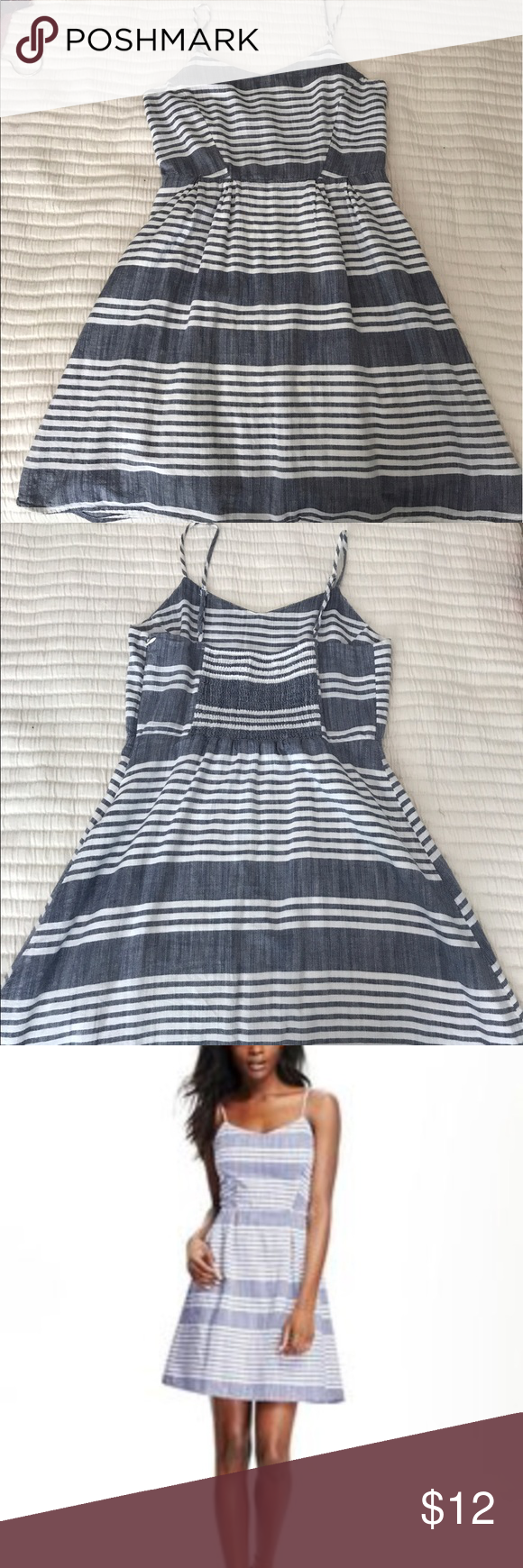 Chambray dress Old Navy chambray striped dress. Adjustable straps. Excellent condition! Old Navy Dresses