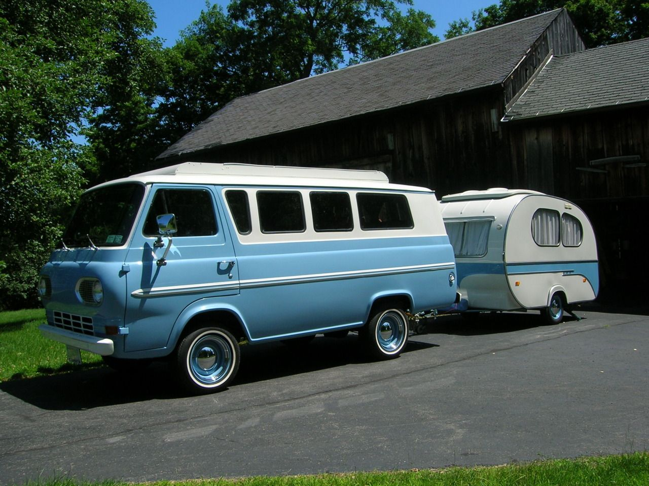 Posted in retro vintage tagged classic cars teardrop caravan vintage - There Is A Lot To Be Said About A Matching Car Baby Bluecamper Vanmini Campervintage