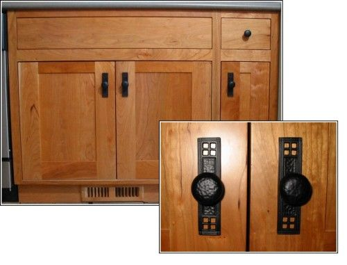 Arts And Crafts Kitchen Cabinets Are Handcrafted In Ontario Craftsman Kitchen Kitchen Craft Cabinets Craftsman Furniture