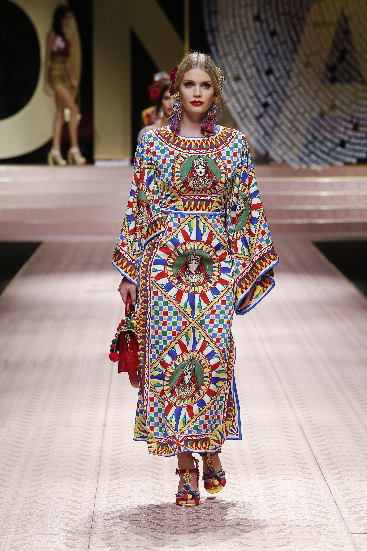 e6c306c5f8e Dolce Gabbana Spring Summer 2019 Women s Fashion Show.  DGDNA  DGWomenSS19   DolceGabbana