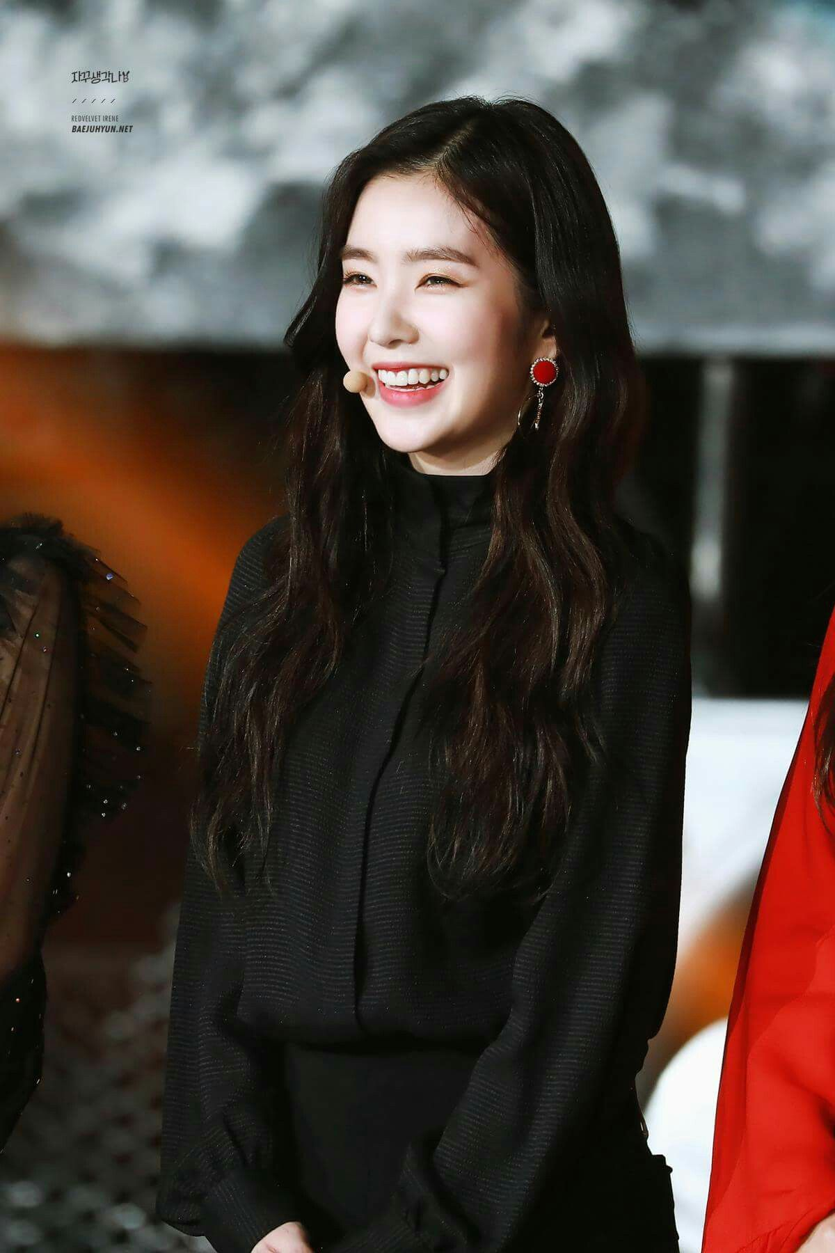 30 Irene Is Shy And Can Appear Cold But Is Really Warm And Kind Once You Get To Know Her She S Also Very Playful And Lovel Red Velvet Irene Red Velvet Girl