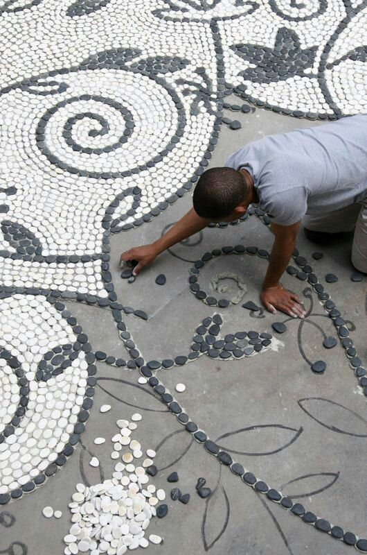 Ahh Have To Remember This And That Would Make A Cool Bathroom Floor Mosaic Garden Pebble Mosaic Mosaic Rocks