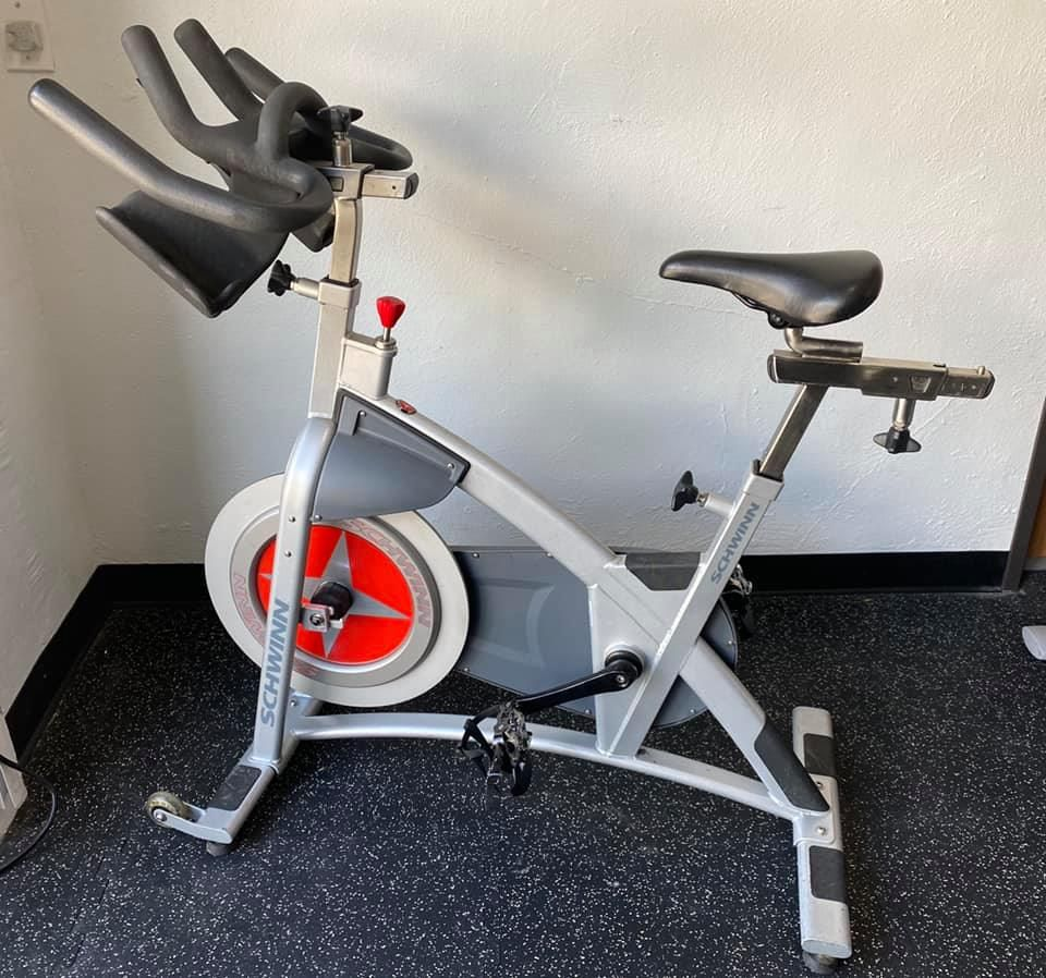Schwinn Ac Sport Spin Bike Colorado Cardio In 2020 Schwinn Bike Cardio At Home
