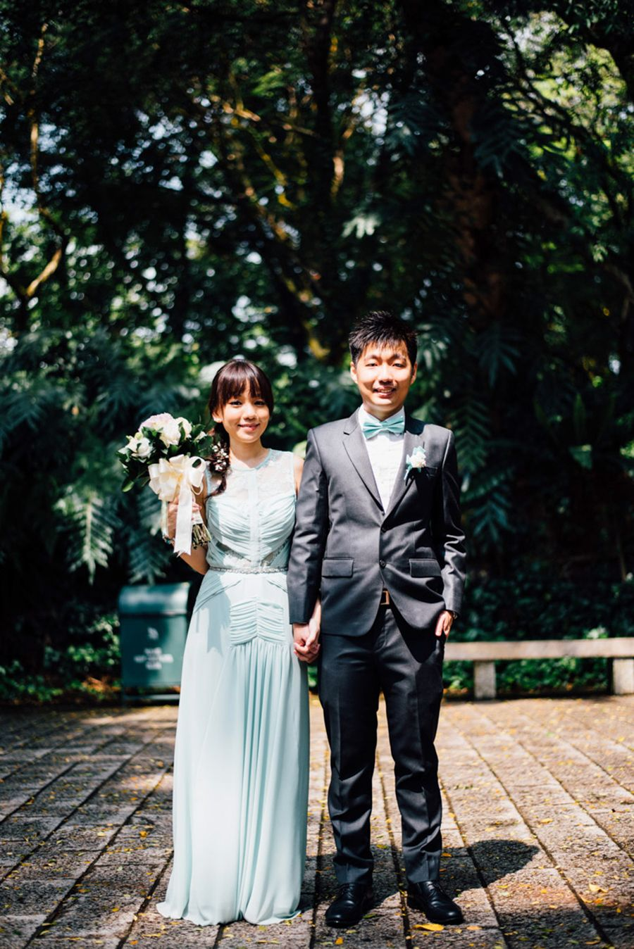 Gareth And Jia Le S Simple Solemnisation By Singapore S Youngest Wedding Photographer Young Wedding Wedding Mint Green Wedding Photographers