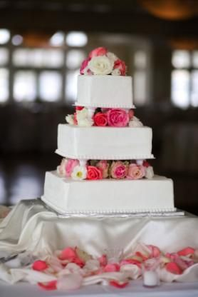 3 Tier Square Cakes On Stands