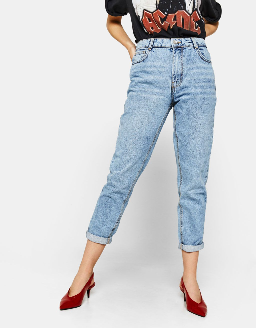 Mom fit jeans REF 5007 388 The model is wearing size  36  798c9c4a376