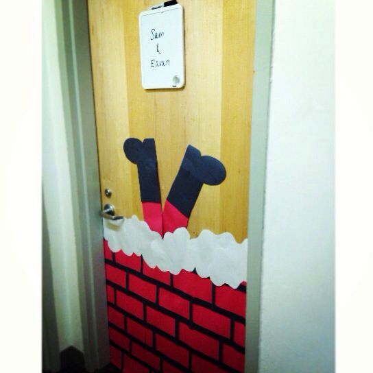 dorm door decorations | Surviving College | Pinterest ...