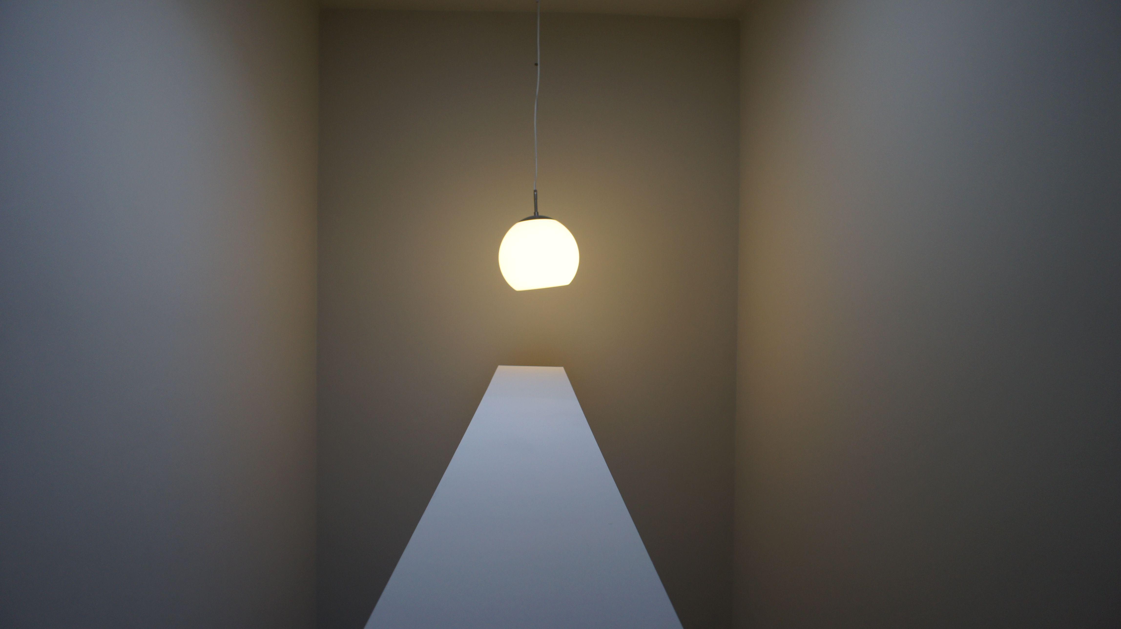 Hanglamp Hoog Plafond : Hoog plafond lamp loft appartement in antwerpen gerealiseerd